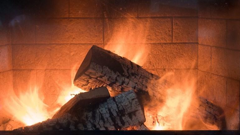 RIVM komt met 'stookalert' voor houtkachels
