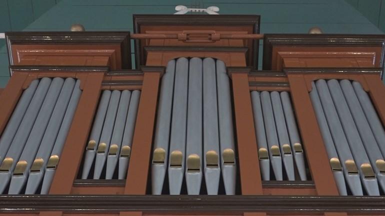 Na vijftig jaar zwijgen zingt het orgel in Annerveenschekanaal weer.